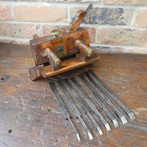 Griffiths Norwich Plough Plane Complete with Blades