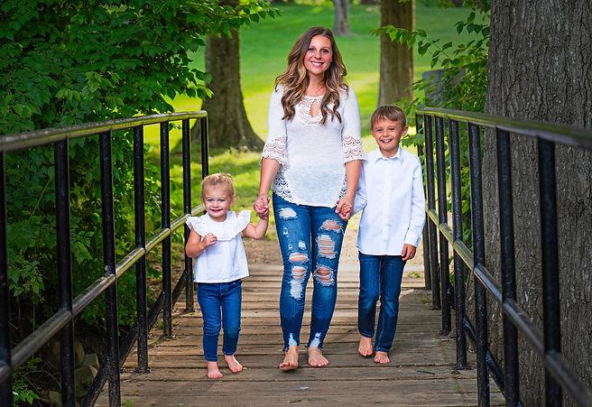 Amber and kids 4113 copy.jpg