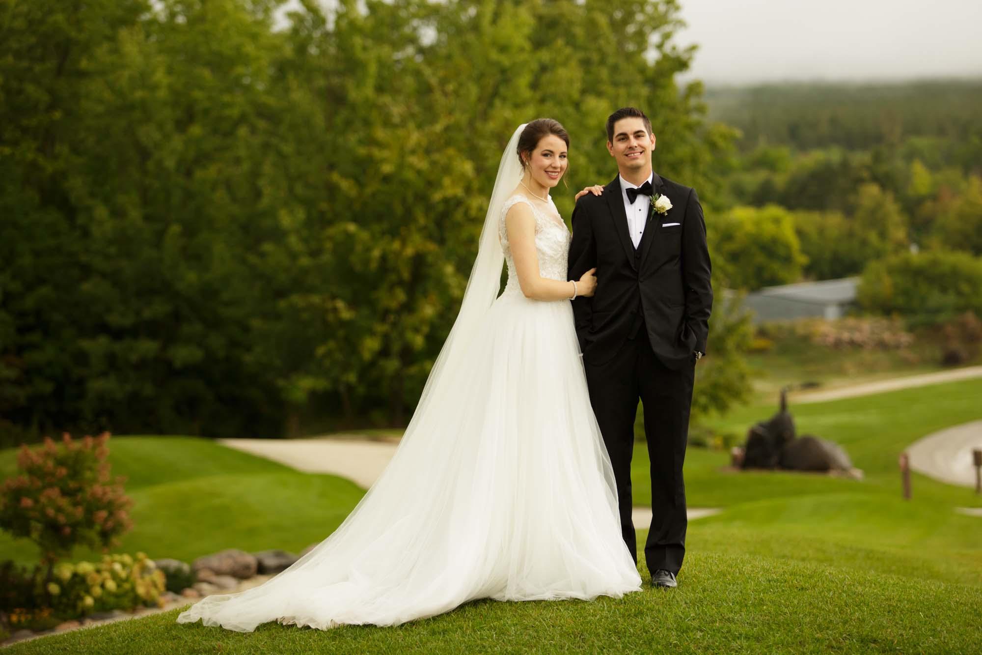 Weddings at Vespra Hills Golf Club