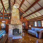 Cabin25_livingroom2.jpg