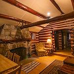Cabin17_livingroom2.jpg