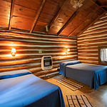 Cabin7_bedroom2.jpg