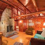 Cabin27_livingroomb.jpg