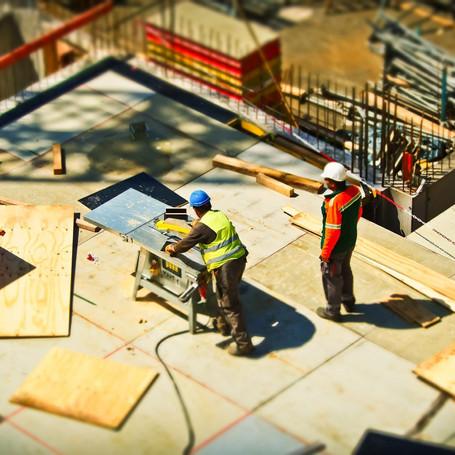 2-man-on-construction-site.jpg