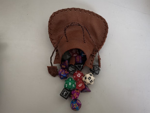 Medium leather dice bags for 3 set of dice plus extra 3 xD20