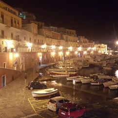 Porto di Ponza di sera