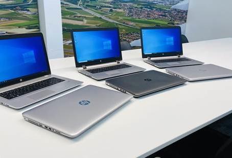 Certam bedrijfsrevisoren schenkt 6 laptops!