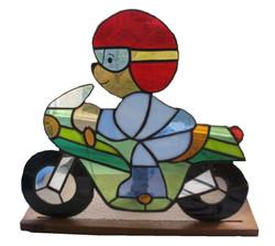 Pierre l'ourson sur sa moto