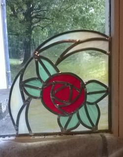 Petite rose rouge art déco