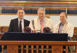 Lasks-Sefer-Torah-dedication_3426a