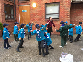 Cubs and Beavers doing badge work