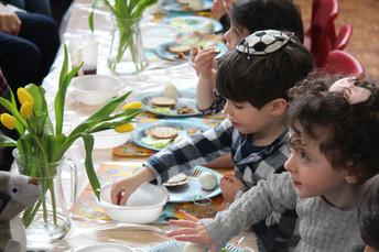 Yavneh Grandparents Mock Seder 2019_2421