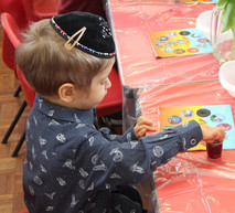Yavneh Grandparents Mock Seder 2019_2447