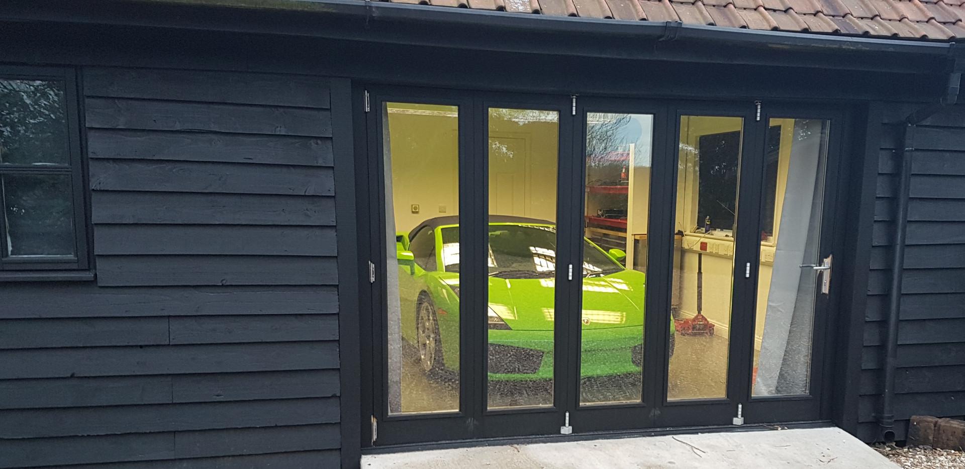 lambo garage.jpg