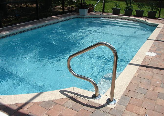 pool-317451_1920.jpg