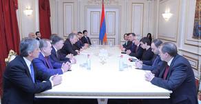 Գալուստ Սահակյանն ընդունել է Լեոնիդ Կալաշնիկովի գլխավորած պատվիրակությանը