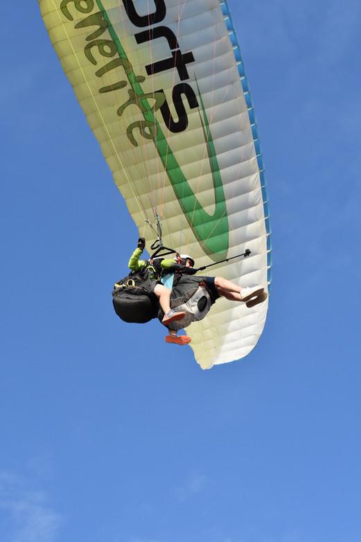 Paragliding tandem