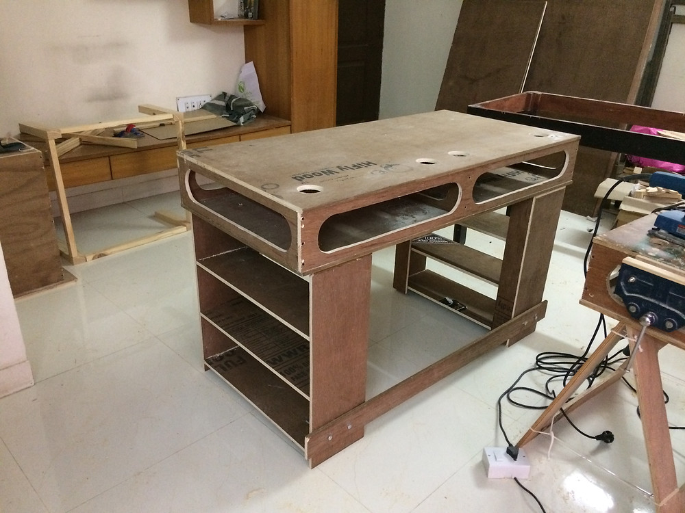 Workbench for home use with fixed legs