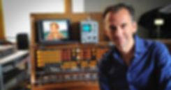 Peter Pichler in seinem Studio am Trautonium