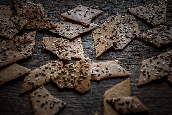 Rye Thins with Seeds
