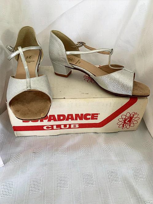 Supadance silver girls dance shoe slight marks size 5
