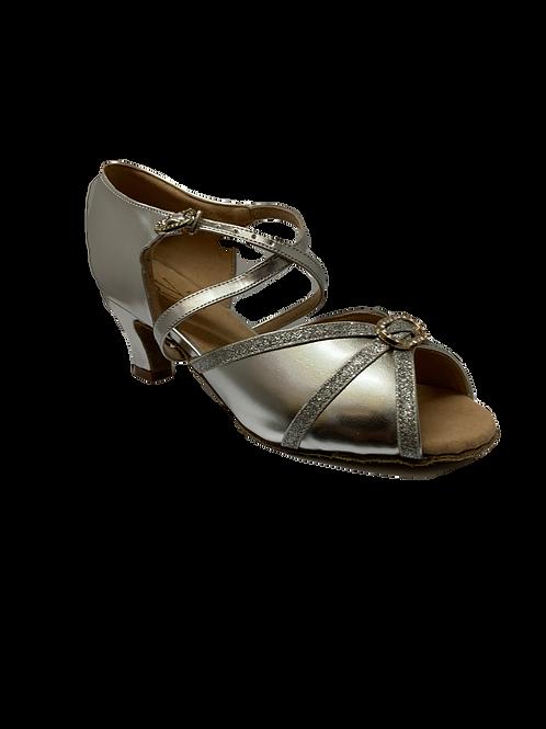 Roch Valley 805 wide fit silver dance shoe size 4