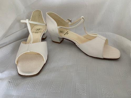 Supadance white girls dance shoe slight marks size 5