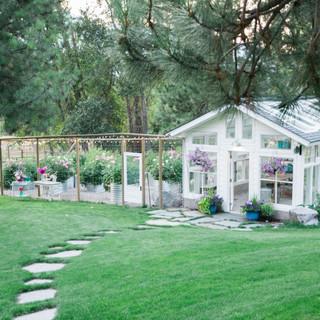 Montana-Wedding-Venue-Flower-Farm-Greenh