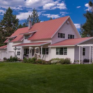 Montana-Wedding-Venue-Farmhouse-Bleeding