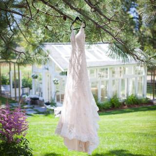 Montana-Wedding-Venue-Bleeding Heart Flo