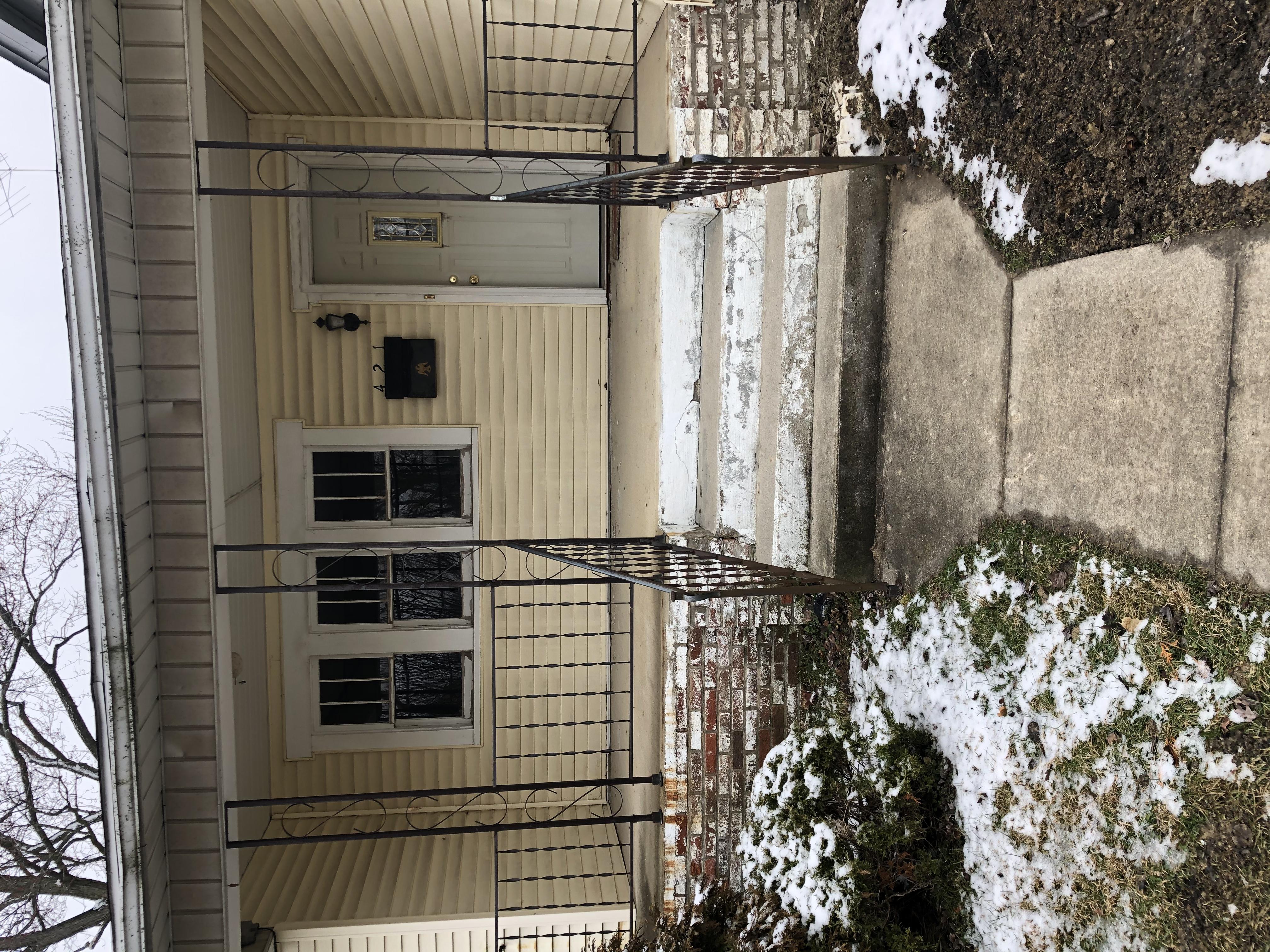 421 S Monroe St. Hartford City -49
