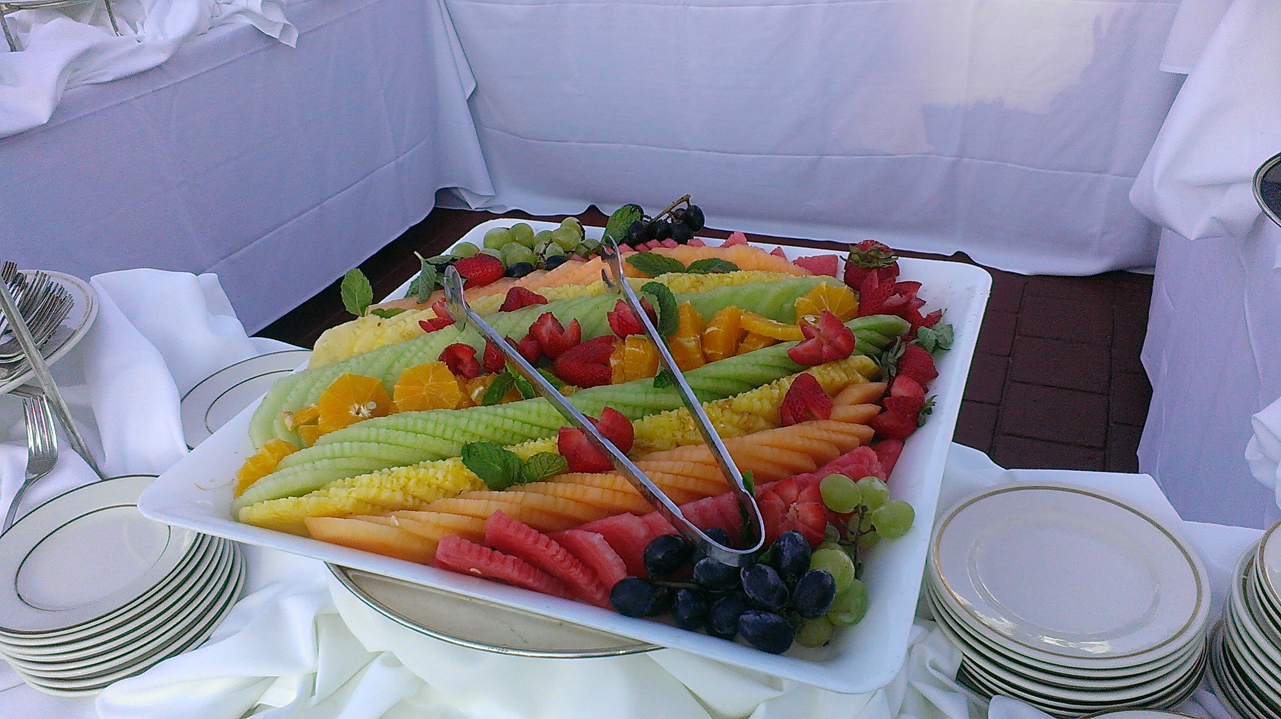 FRESH FRUIT CARVING STATION.jpg