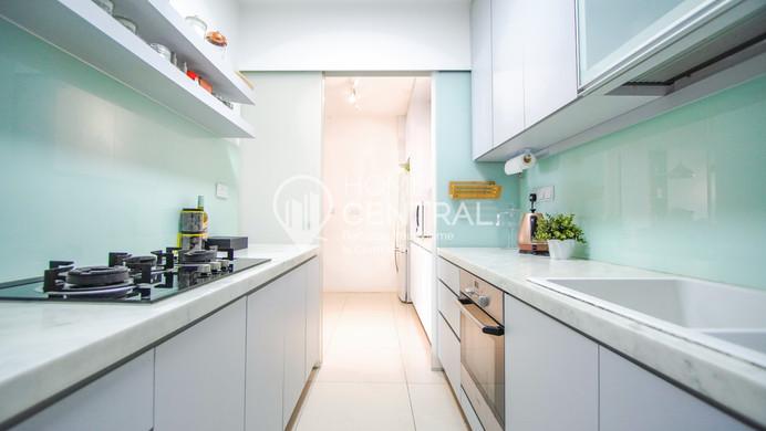 17 Kitchen 1 Edited DSC00756-HDR-2.jpg