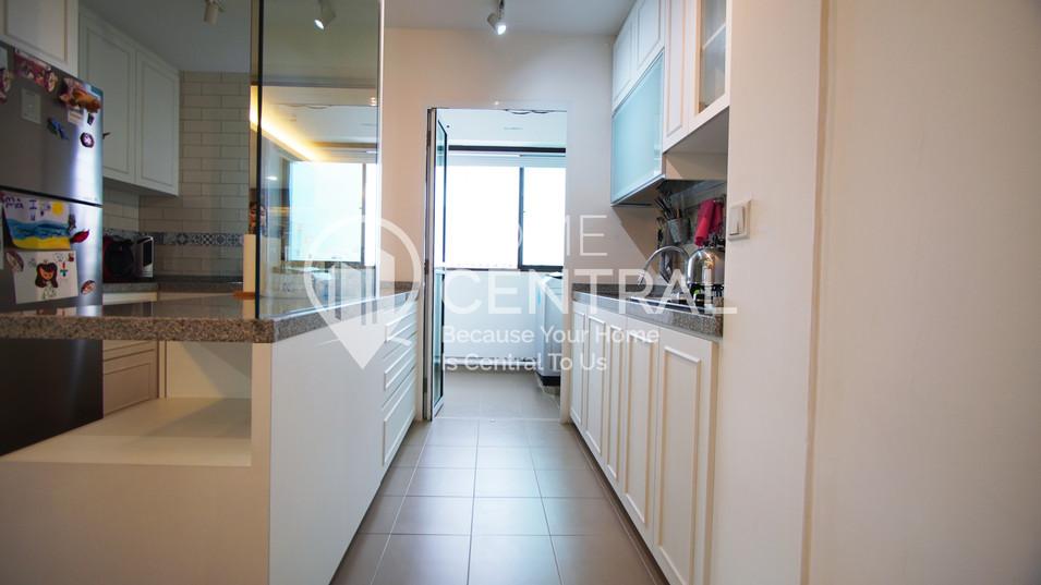 Kitchen 1 DSC00174.jpg