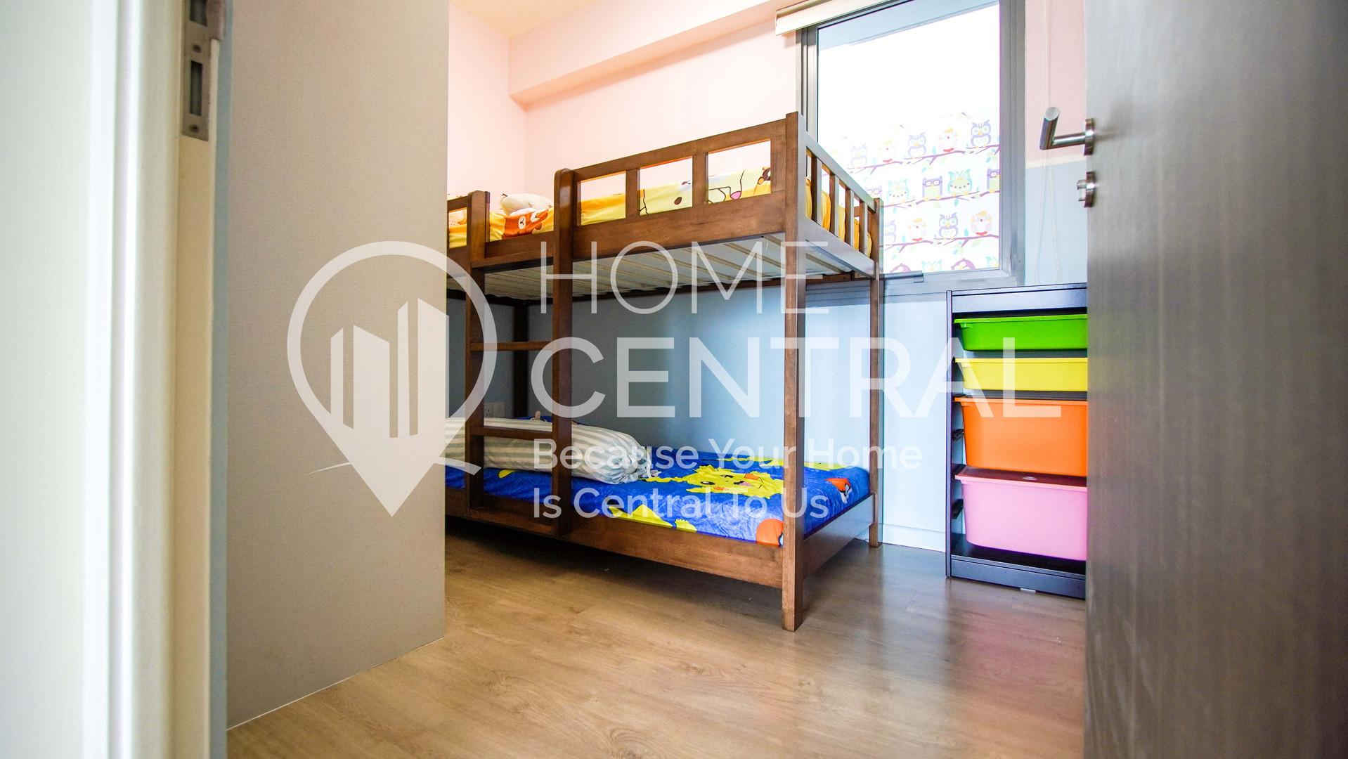 16 Bedroom 2-1 DSC02599-HDR.jpg