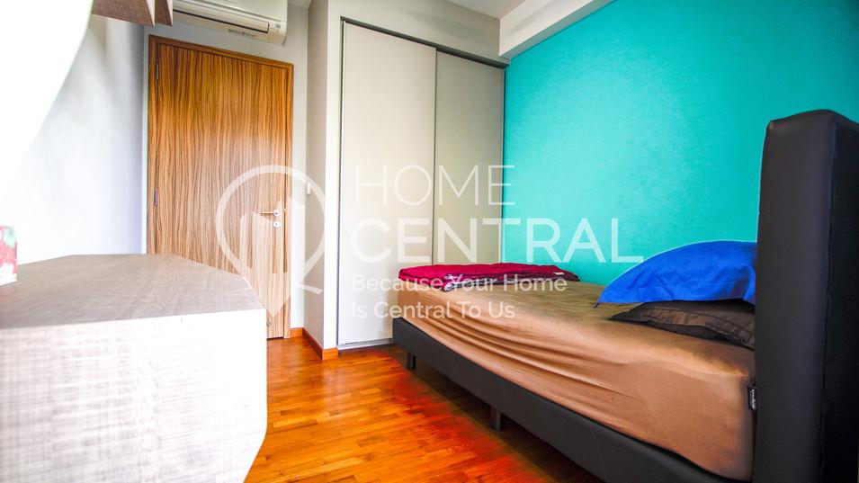 16 Bedroom 2-1 DSC02197-HDR-min.jpg