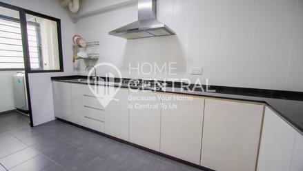 8 Kitchen 2 DSC01212-HDR-min.jpg