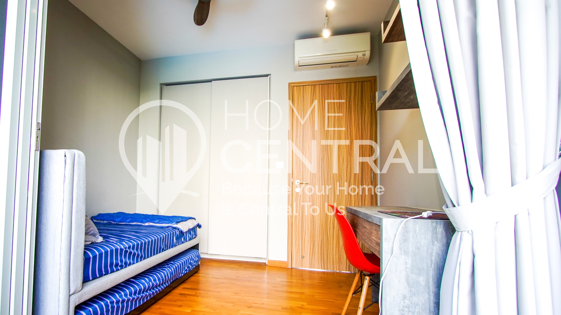 14 Bedroom 1-1 DSC02155-HDR-min.jpg