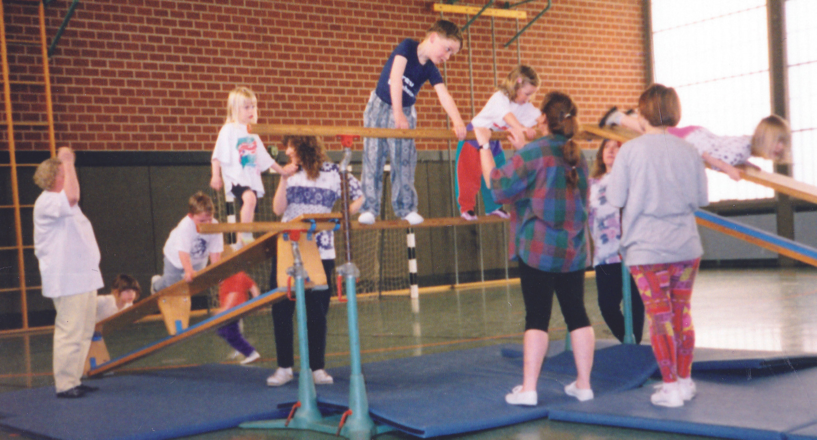 Kinderturnen 1998_3.jpg