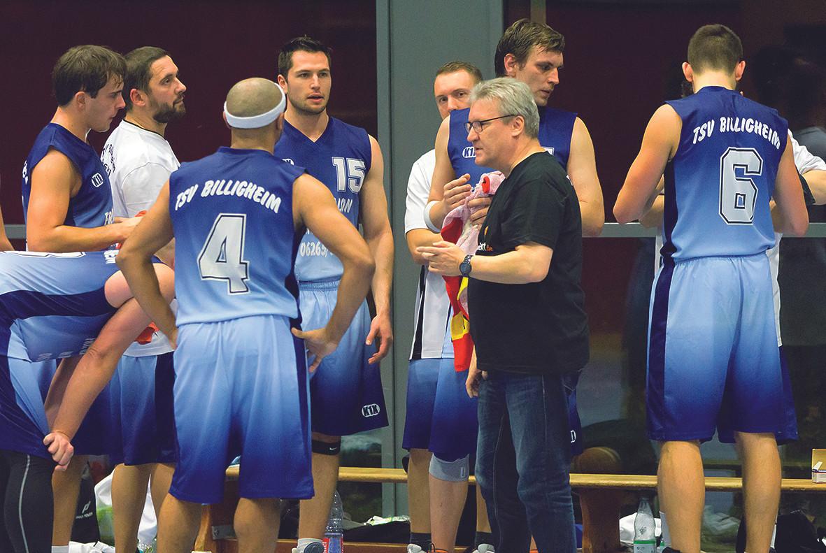 Teamansprache_Trainer_Gerd_Dietrich.jpg