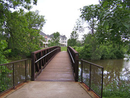 Pedesterian-bridge-at-McCul