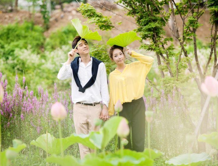 d5fcb71d4048ba6d09975f004dd29d9d--korean-couple-pre-wedding-photoshoot