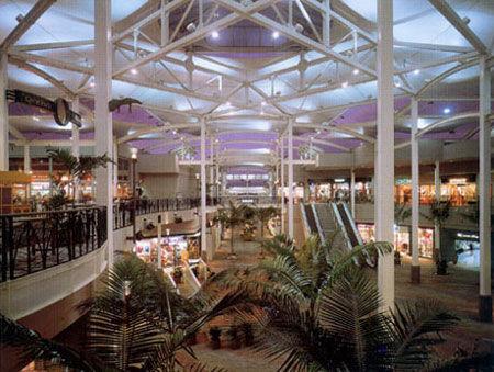 kaahumanu_shopcenter1.jpg