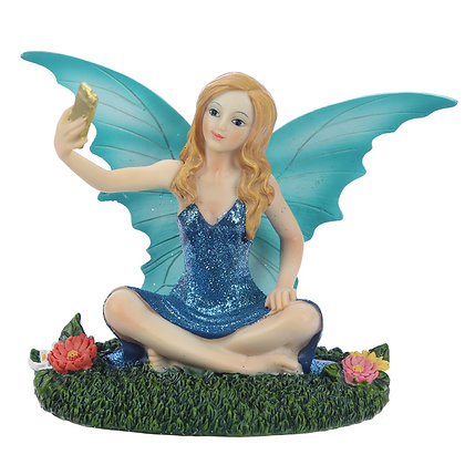 Selfie Time Fairy Figure (Aurora Knight)