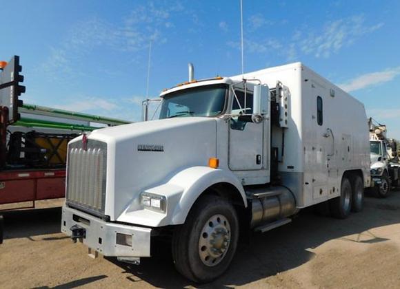 2015 Kenworth T800 Wireline Unit