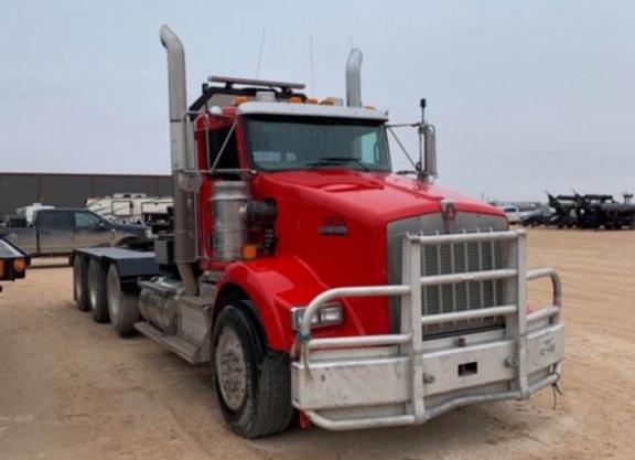2014 Kenworth T800 Winch Truck