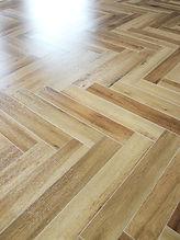 施工事例「マンション」佐世保市大宮-ヘリンボーンの床材(施工後)