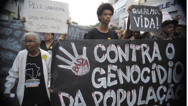 Manifestação contra o genocídio