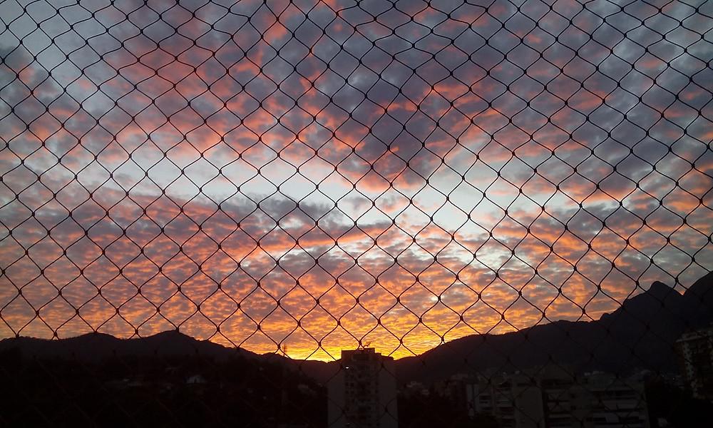 Crepúsculo matinal na Rua Araguaia