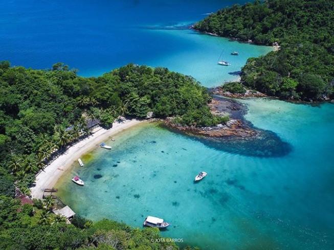 Praia dos Macacos; foto @jotabarrosig para Ilha Grande Lanchas